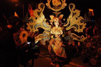 Salah satu peserta Sokaraja Night Carnival 2014 ( Foto: Nurhidayat )