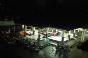 Suasana Pendopo PKM Unsoed saat malam hari, Sabtu (25/2). Foto: Yoga Iswara Rudita Muhammad.